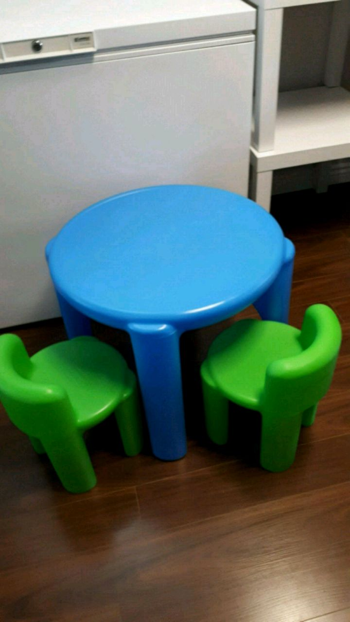 used little tikes kids table and chairs for sale in aurora letgo rh gb letgo com