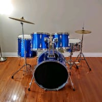 5pc Drum Set w/Cymbals & Hardware Toronto, M1P 4P5
