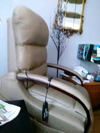 Electric lift chair beige leather.paid1300.00 fro. Smyrna, 37167