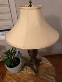 Onyx lamp good strong from Italian store  Laval
