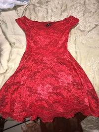 Red lace homecoming/formal dress. Glendon, 18042