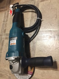 blue and black Bosch corded power drill Surrey, V3S 2R9