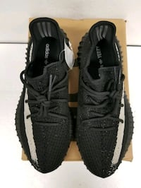 pair of black Adidas Yeezy Boost 350 V2 with box Arlington, 22204