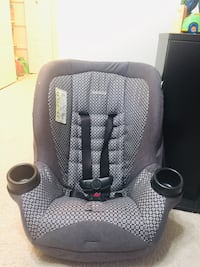 Baby's black and gray car seat Falls Church, 22043