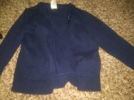 Size 4t sweater!!