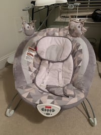 Fisher price Deluxe Bouncer in Twilight Twinkle - rarely used Fairfax, 22033