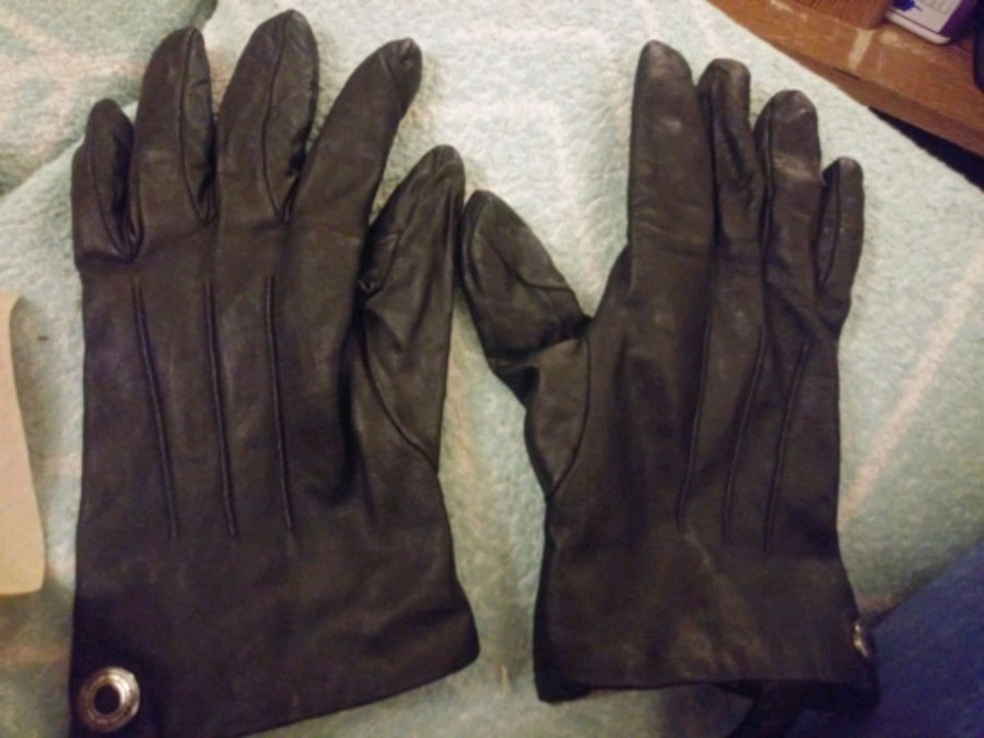 Photo Womens COACH leather and cashmere gloves NEW