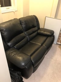 Leather power loveseat  Toronto, M2N 0A5