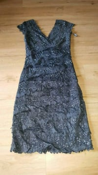 women's black and gray floral sleeveless dress Selkirk, R1A 0Z3