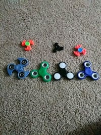 five assorted color fidget spinners Annandale, 22003