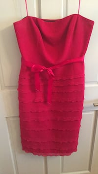 Red Liz Claiborne Strapless, knee length cocktail dress size 8 New York, 10304