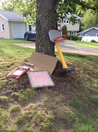 Children table, 2 chairs and basketball hoop