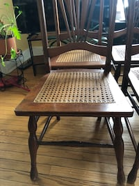 Set of 4 wooden Chairs Arlington, 22204