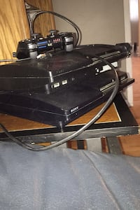 2 Play Station 3 Slims