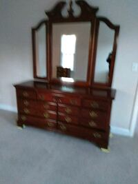 Triple dresser,  mirror,  also 2 nightstands 253 mi