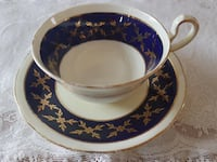 Gorgeous Navy & Gold Aynsley Tea Cup & Saucer For Sale! Ottawa
