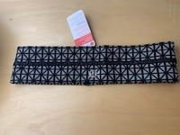 Lululemon Fly away tamer headband Vancouver