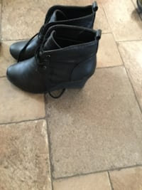 Pair of black boots,nice and warm.Size 9 VANCOUVER