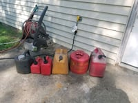 assorted fuel containers 537 mi