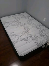 Double Size Mattress from Costco Vaughan, L4H 0Y1