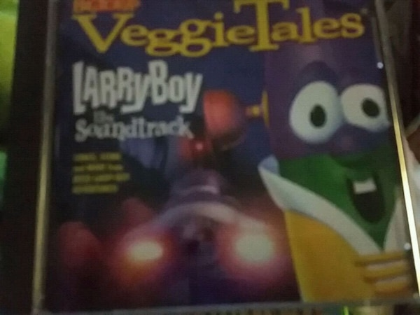 5 veggie tales cus 10 each or all for 30$