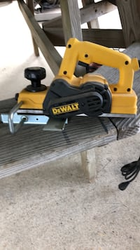 yellow and black Dewalt miter saw Mechanicsville, 20659