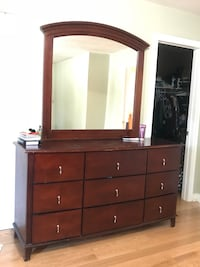 Dresser with mirror... Moving Sale. Price is negotiable. Toronto, M1P