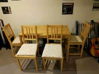 Wood table and chairs guc Whitchurch-Stouffville, L4A 1K6
