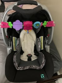 Selling baby trend car seat