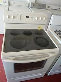 Frigidaire. Glass top.  Electric stove Cleveland, 44102