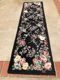 Hall runner rug black with roses