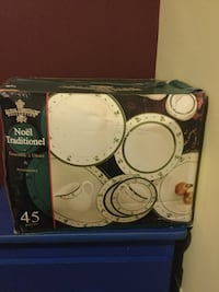 Brand New Unopened 45 Pieces Royal Heritage Dinner Set. Traditional Christmas Accessories Toronto, M4C 2S4