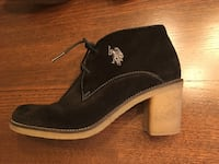 Pair of black suede boots Calabasas, 91302