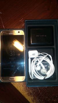 Galaxy S7 in box like new condition clean Toronto, M6K 3N4