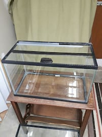 clear glass pet tank aquarium Toronto, M4J 4X5