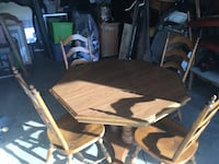 Beautiful vintage dining table  Atwater, 95301