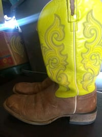 Size 9.5 Men's Leather Cowboy Boots Midland