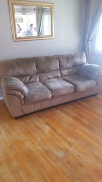 sofa and recliner Roseville, 48066