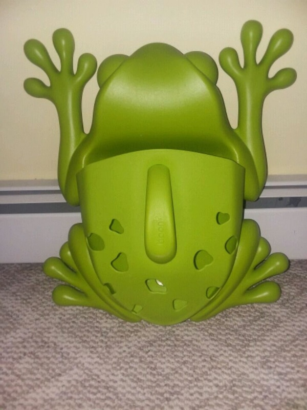 Used Boon toy storage frog for sale in Cumberland - letgo