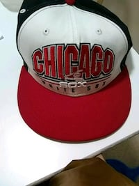 white and red Chicago Bulls fitted cap 283 mi