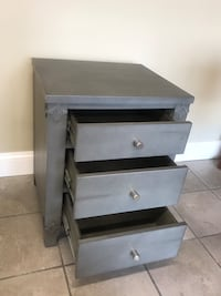 Small bedside chest of drawers