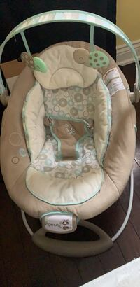Baby's white and gray bouncer Brampton, L6V