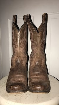 Ariat Cowgirl Boots Size 8 Mills River, 28759