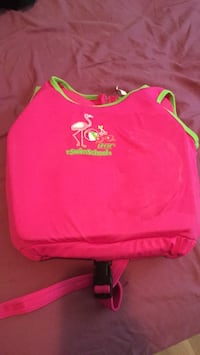 Pink lifejacket size to children's Barrie, L4M 3B7