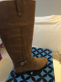 Boots tan- brown - black.  All brand new in box