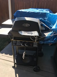 black and gray gas grill Chicago, 60609