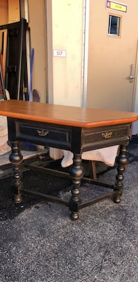 Wooden entry way table Suitland, 20746