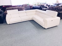 ⭐2 0 1 9 Luxani Full Genuine Leather Power Reclining Sectional valued @$8,999.00 ( over 50% off!)⭐ Calgary, T2A 5T2