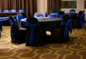 50 black chair covers