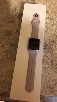 White apple watch with white sports band Rochester, 53105